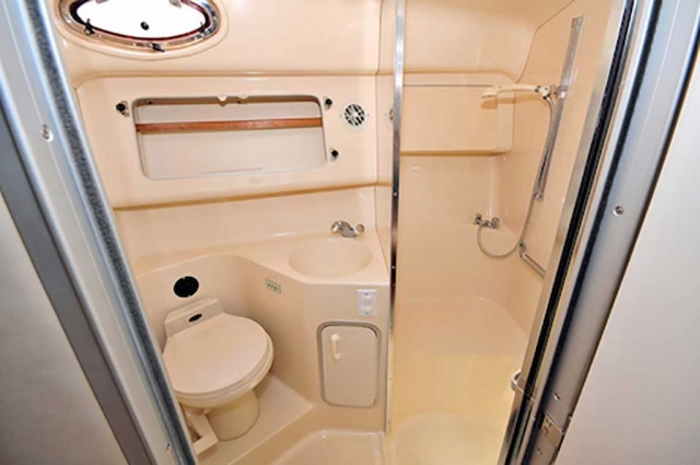 37-ft.-SeaRay-Sundancer-Power-Yacht-Up-to-10-People-Lower-Deck-Full-Bathroom