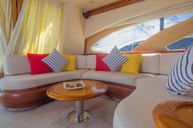 62-FT-Azimut-Luxury-Power-Yacht-Up-to-25-People-Salon