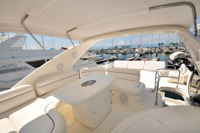 62-FT-Azimut-Luxury-Power-Yacht-Up-to-25-People-Spacious-Flybridge