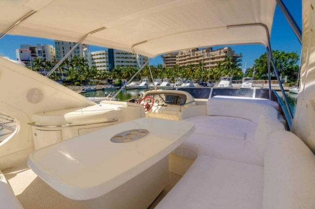 62-FT-Azimut-Luxury-Power-Yacht-Up-to-25-People-flybridge