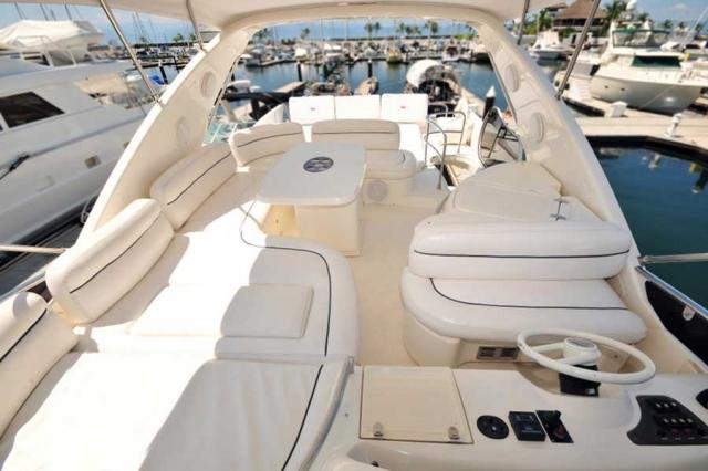 62-FT-Azimut-Luxury-Power-Yacht-Up-to-25-flybridge