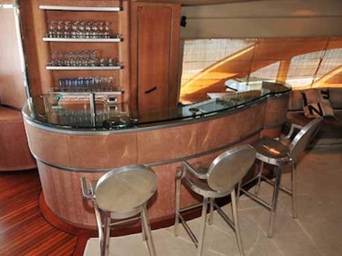 Azimut 98 Leonardo Cabin Wet-Bar