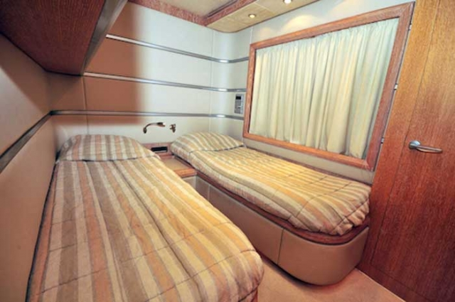 Azimut 98 FT Leonardo Guest Stateroom with bunks