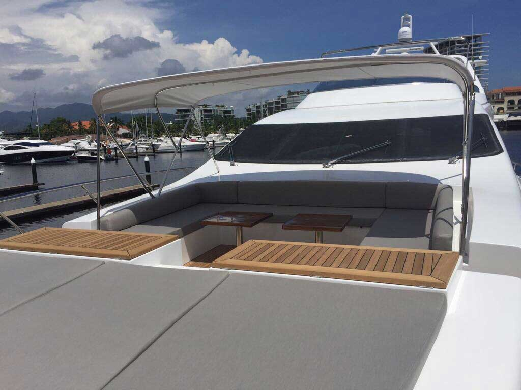 Azimut 98FT Leonardo Redesigned Bow with Lounges table Shade