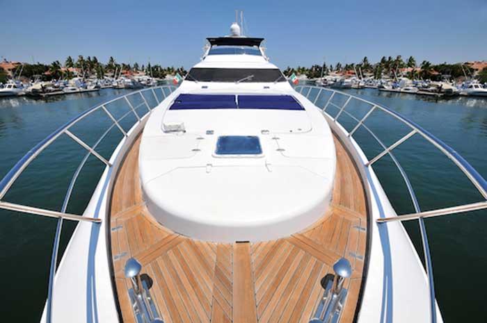 Azimut 98 FT Leonardo Wide Open Sun padded Bow with Teak Deck