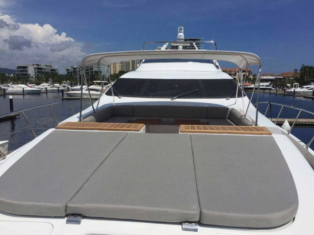 Azimut 98 ft Leonardo Cushions over bow